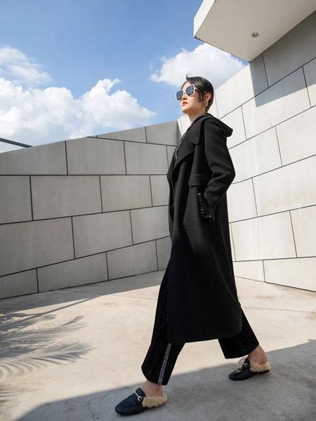 卡索女装品牌2020秋冬黑色长款大衣