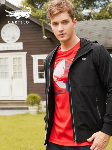 卡帝乐鳄鱼CARTELO休闲品牌2020秋冬潮流简约logo印花黑色外套