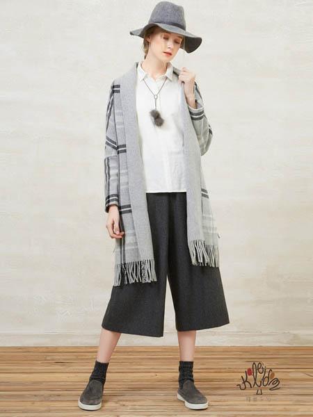 showlong、舒朗、美之藤、高歌女装品牌2020秋冬灰色碎边外套