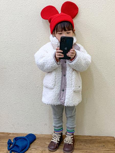 幼米童装品牌2020秋冬女童白色羊绒外套
