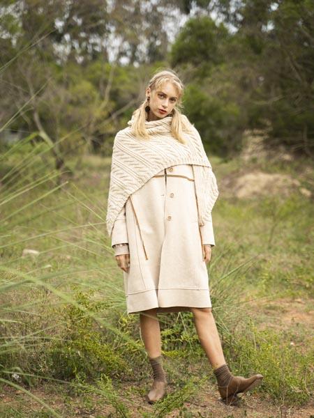 薇薇希女装品牌2020秋冬米白色系扣羊绒大衣