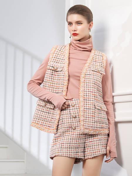 例格女装品牌2020秋冬格子纹针织马甲短裤套装