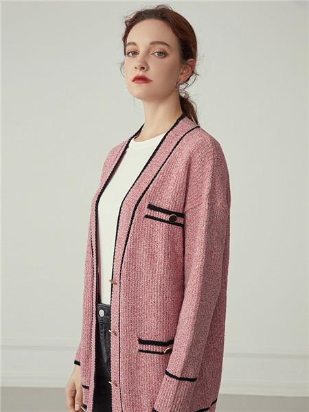 蓝恩女装品牌2020秋冬粉色舒适毛呢外套