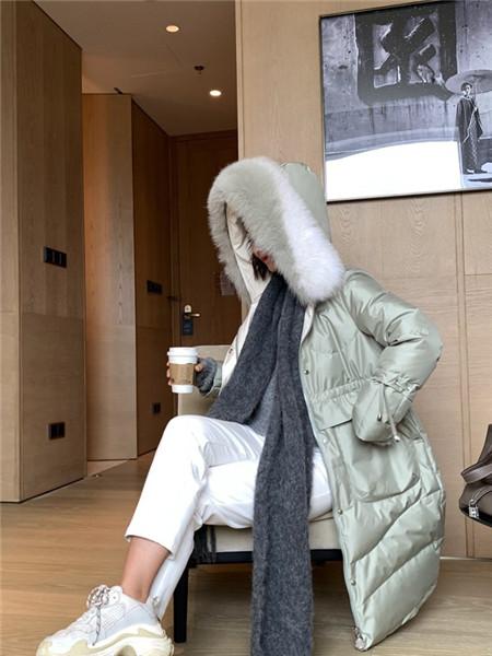 砾赫女装品牌2020秋冬保暖羽绒薄外套