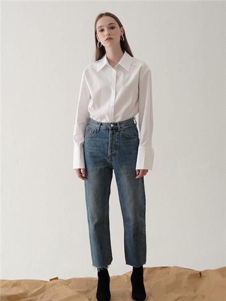 花纳女装品牌2020秋冬休闲立领白色衬衫