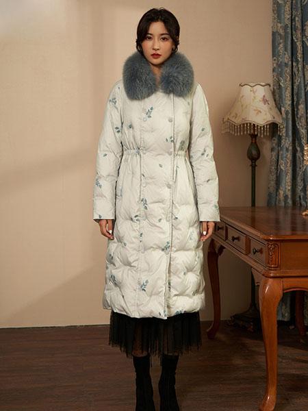 固执女装品牌2020秋冬休闲印花白色长款羽绒服