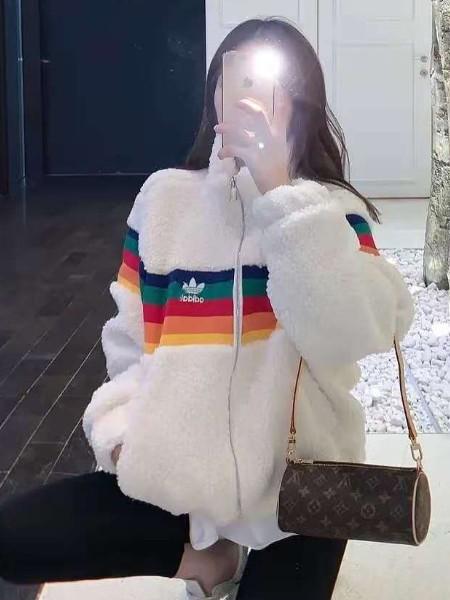 赏心悦目女装品牌2020秋冬新品