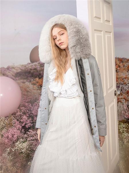 OZLANA女装品牌2020秋冬灰色带帽加绒外套