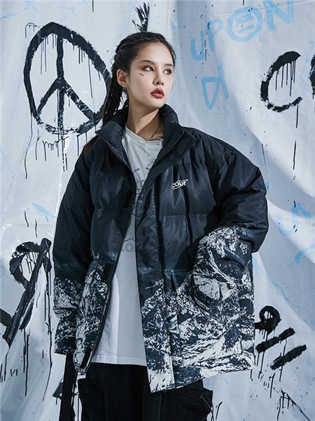 柯达芮特女装品牌2020秋冬黑色印花薄外套