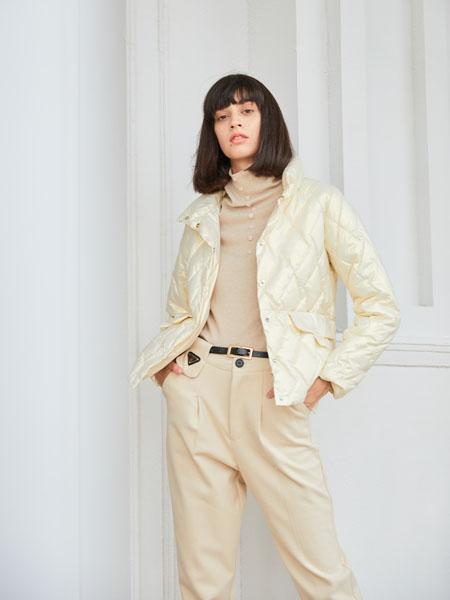 曈行女装品牌2020秋冬羽绒保暖白色薄外套