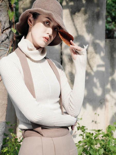 底色女装品牌2020秋冬高领白色毛衣