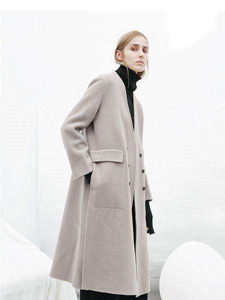 芊伊朵女装品牌2020秋冬灰色素雅长款外套