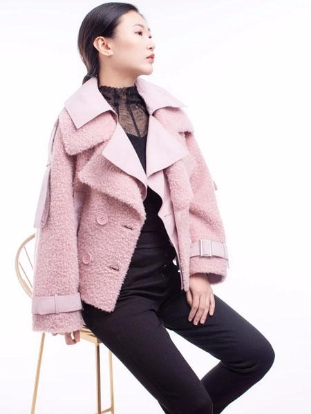 独傲女装女装品牌2020秋冬粉色保暖毛呢外套