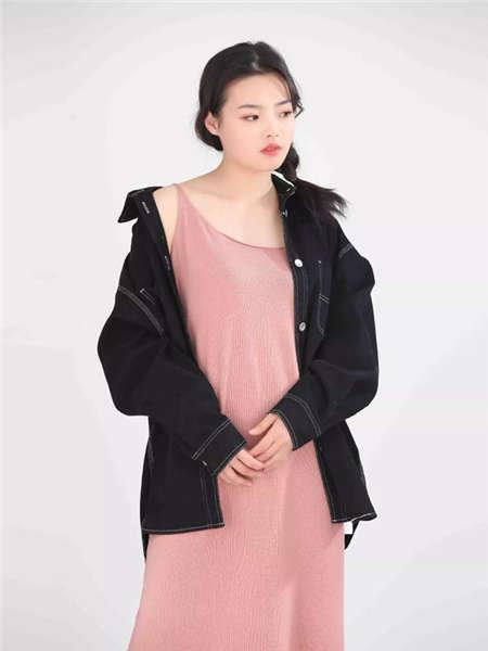 my&juvenilia女装品牌2021春夏宽松黑色牛仔外套