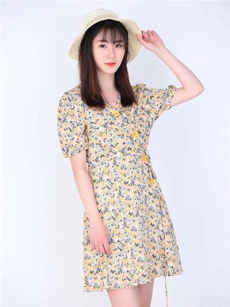my&juvenilia女装品牌2021春夏碎花旗袍改良裙
