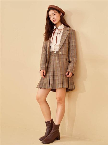 E·LAND女装品牌2020秋冬学院风格子褐色套装