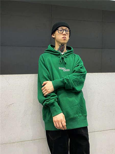 WHOOSIS男装品牌2020秋冬纯色中性卫衣