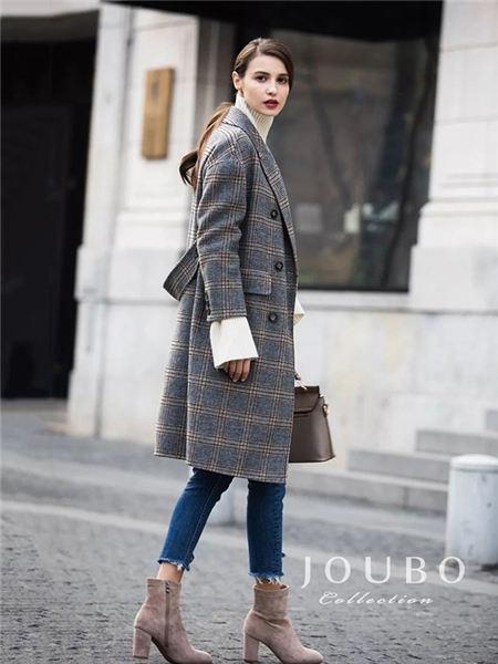 玖帛JOUBO女装品牌2020秋冬灰色格纹修身大衣