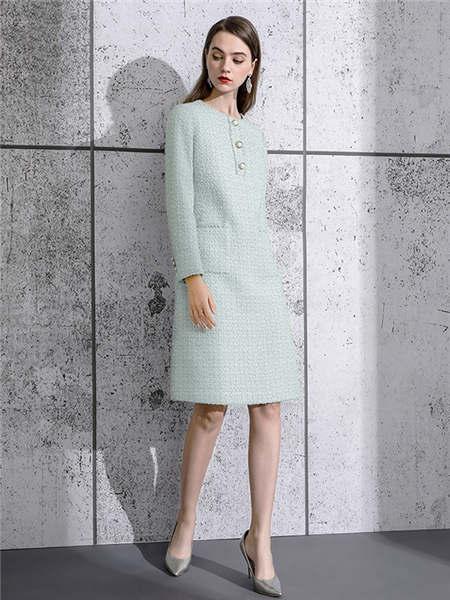 ELINKéSY女装品牌2020秋冬名媛风排扣毛呢连衣裙