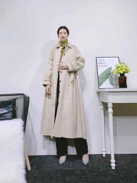紫布语女装品牌2020秋冬方领ins风长款风衣
