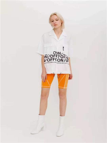 狩妖女装品牌2021春夏宽松字母印花V领短袖上衣