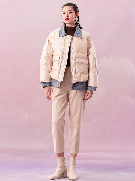 阿依莲女装品牌2020秋冬牛仔羽绒拼接短款外套