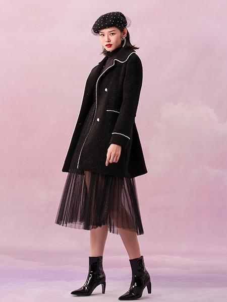 阿依莲女装品牌2020秋冬黑色镶边中长款毛呢外套