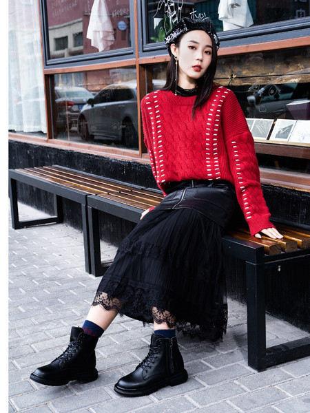 留刻LIUKE女装品牌2020秋冬红色潮流拼接针织上衣