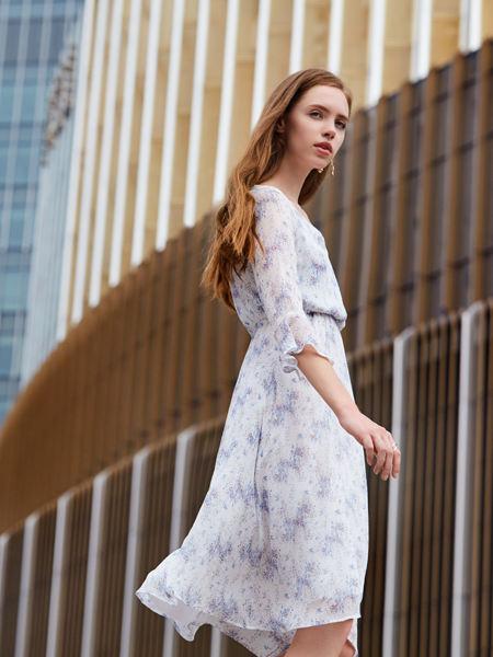 37°生活美学女装品牌2021春夏素色碎花轻薄淑女连衣裙