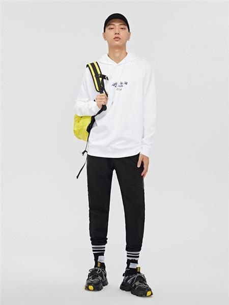 cabbeenurban卡宾都市男装品牌2020秋冬白色运动休闲卫衣