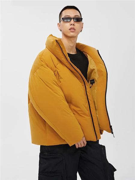 cabbeenurban卡宾都市男装品牌2020秋冬流行姜黄色OVERSIZE短款羽绒服