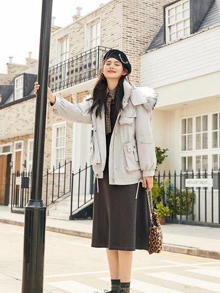 太平鸟女装品牌2020秋冬韩版大毛领气质女神羽绒服