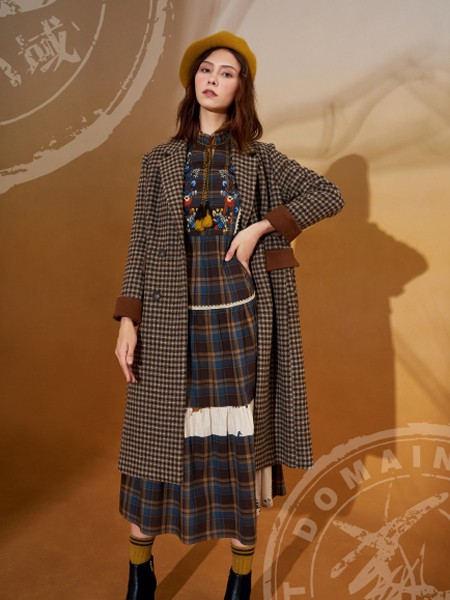 ART艺域女装品牌2020秋冬潮流森系蕾丝拼接连衣裙