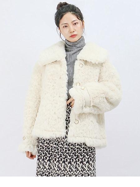 UZZU女装品牌2020秋冬修身方扣短款皮草外套