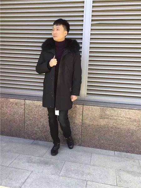 镖王男装品牌2020秋冬流行大毛领显瘦羽绒服
