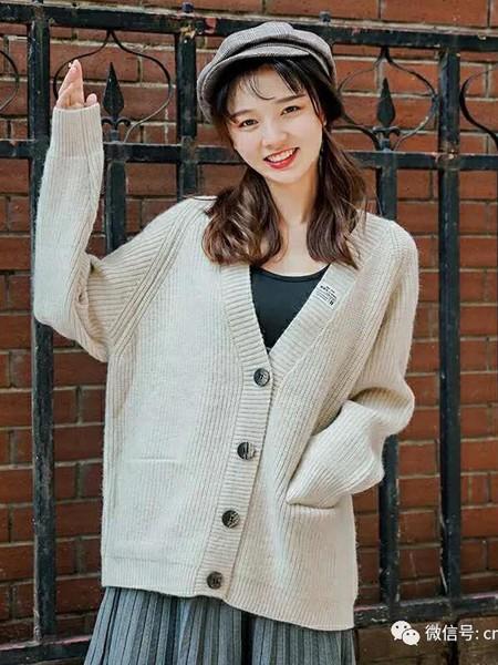 創美印象女裝品牌2020秋冬米色V領寬松針織開衫外套