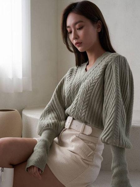 艾匹思女裝品牌2020秋冬綠色文藝范淑女針織衫