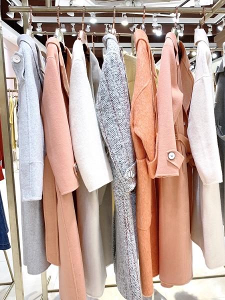 广州明浩品牌折扣女装宝格丽双面羊绒大衣批发货源裙/裤品牌2020秋冬新品
