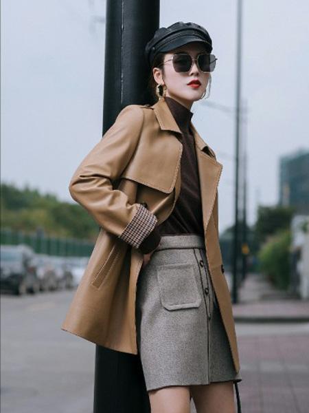 俪妍女装品牌2020秋冬咖啡色复古风衣式皮衣