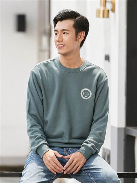 汉斯卡男装品牌2020秋冬绿色简约印标圆领套头卫衣