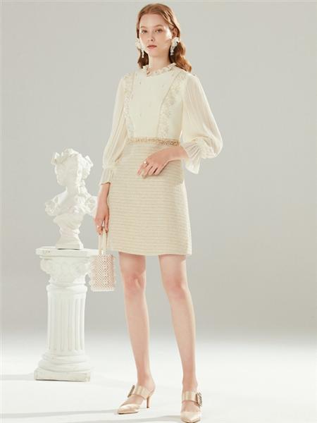 拉珂蒂女装品牌2020秋冬白色蕾丝浪漫素雅上衣