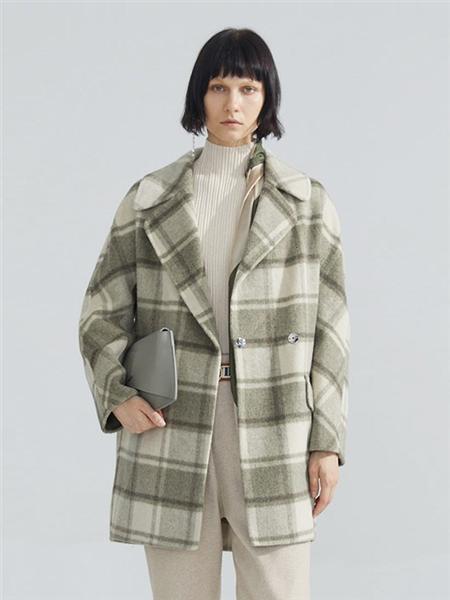 碧淑黛芙的小香风外套 将柔美与优雅深度融合