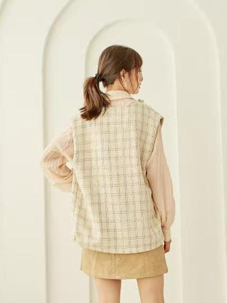 描刻(miaoke)女装品牌2020秋冬素色格纹清新风无袖马甲