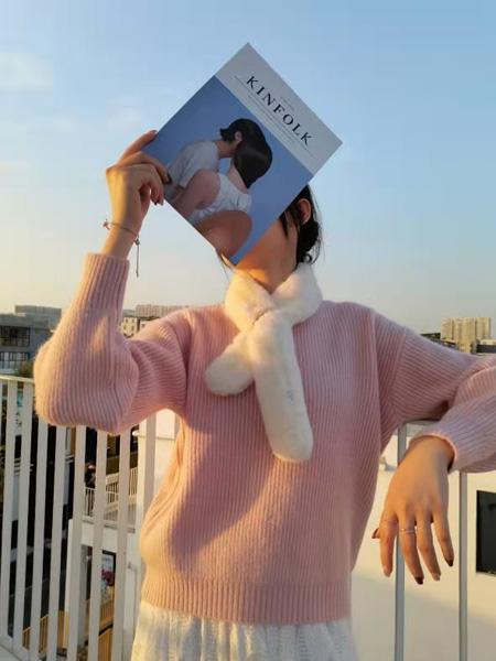 描刻(miaoke)女装品牌2020秋冬粉色甜美淑女风毛衣