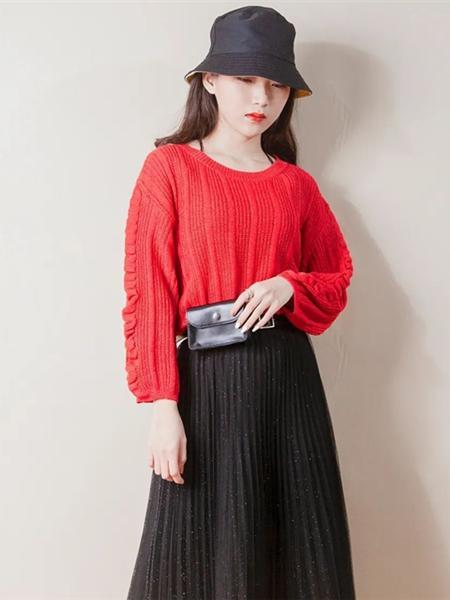 """提图斯""""(TITSOO)女装品牌2020秋冬红色收褶竖纹色织针织衫"""