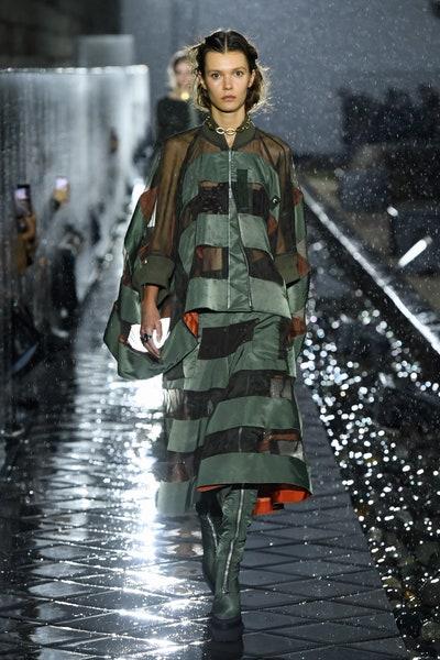 Sacai 2021春夏高级成衣新品发布秀场