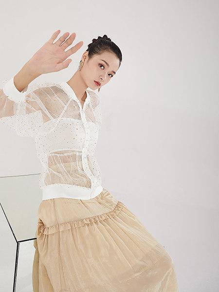 EATCH女装品牌2021春夏白色透明细闪网纱外搭