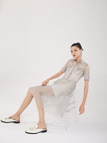 EATCH女装品牌2021春夏浅灰色网纱纯白吊带裙时尚两件套