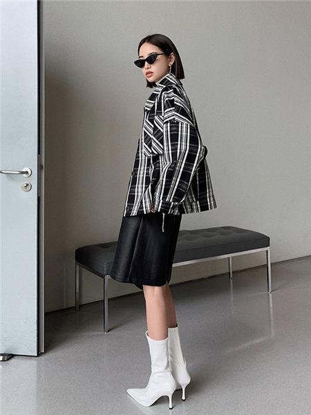 乔黛女装品牌2020秋冬黑白条纹经典时尚百搭外套