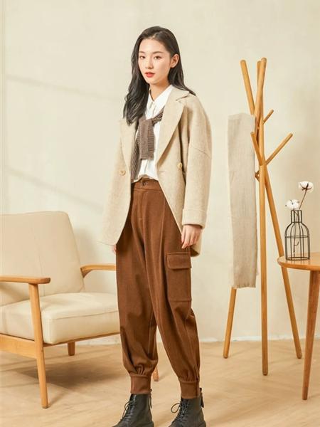 片断女装品牌2020秋冬韩版学院风翻领毛呢